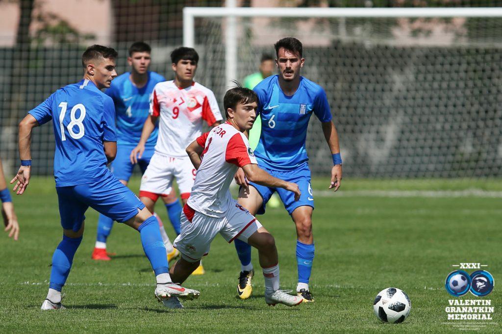 U-17: ничья в стартовом матче